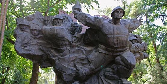 Крепкий тыл - опора фронту! Казахстан в годину войны