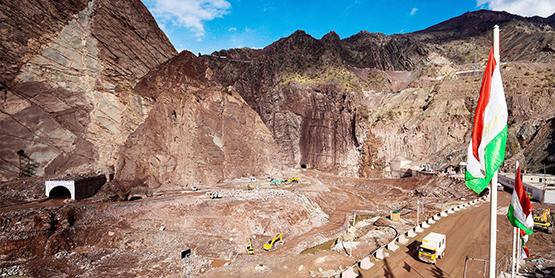 В Таджикистане строительство Рогунской ГЭС забуксовало