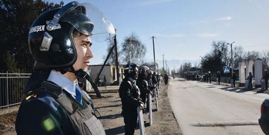 Казахстан. Блокпост на въезде, спецназ на улицах. Что произошло в селе Шорнак?