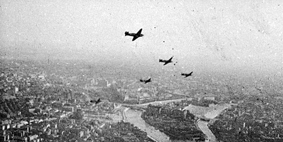 Почему немцы не разбомбили Москву, как Сталинград